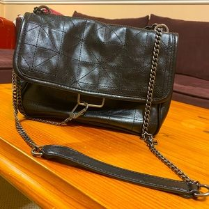 Used Zara bag in good conditions.